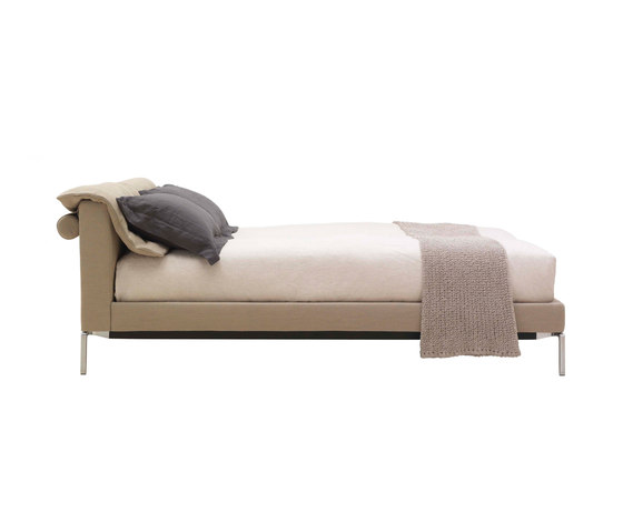 L32 Moov by Cassina | Double beds