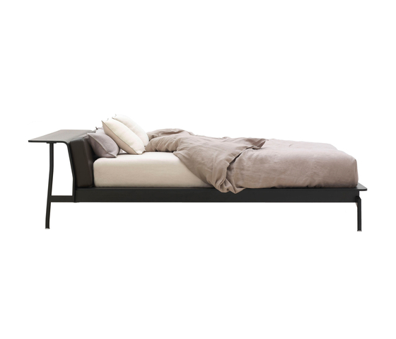 L41 Sled de Cassina | Lits doubles