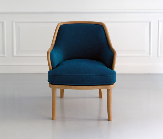 Club Arm Chair by MARUNI | Lounge chairs