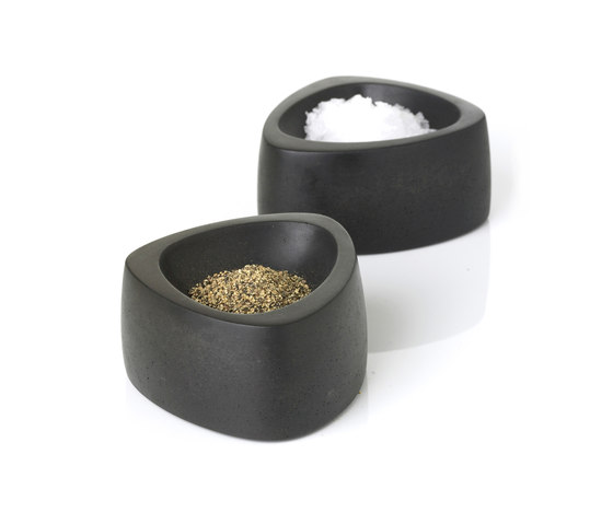 Flavor Salt & Pepper Antracit by Röshults | Salt & pepper shakers