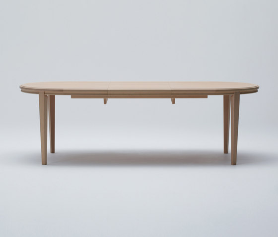 Traditional Extension Table (Oval) by MARUNI | Dining tables