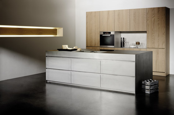Silver Touch by eggersmann | Island kitchens