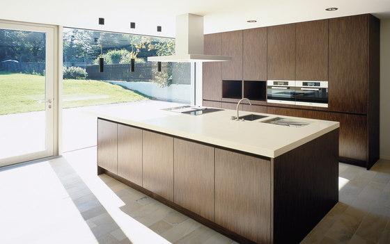 villa lichtenstein k cheninseln von eggersmann architonic. Black Bedroom Furniture Sets. Home Design Ideas