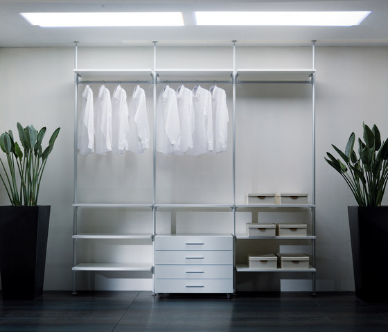 Epomeo | Walk-in Wardrobe de Aico Design | Dressings
