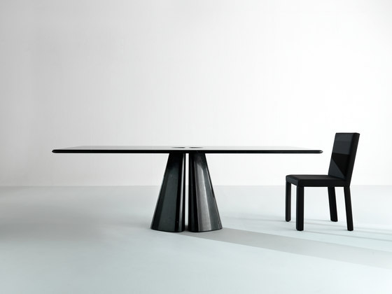 Maxima | Table Raja by Laurameroni | Dining tables