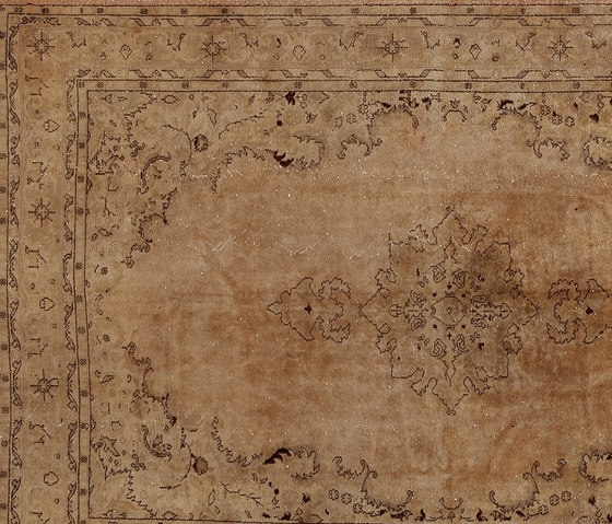 Decolorized beige di GOLRAN 1898 | Tappeti / Tappeti d'autore