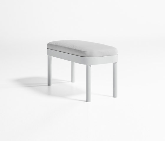 Tropez Bench by GANDIABLASCO | Garden benches