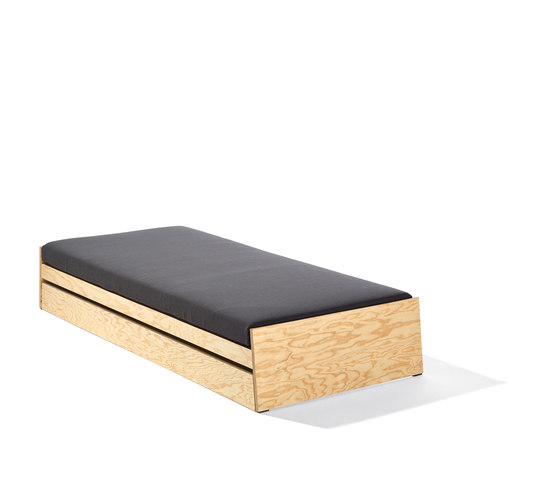 Lönneberga bed by Lampert | Single beds