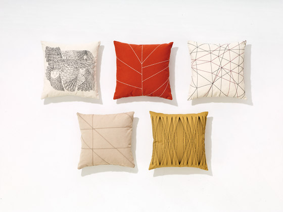 Pillows by Arper | Cushions
