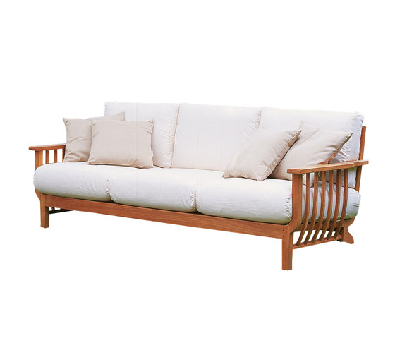 Chelsea Sofa by Unopiù | Garden sofas