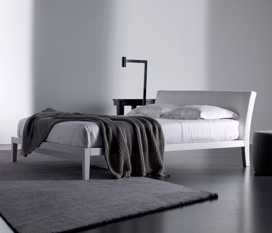 Port Bed by Meridiani | Double beds