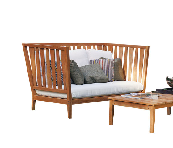 York Sofa by Unopiù | Garden armchairs