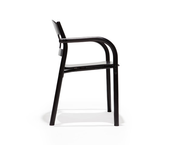 Jari chair j22 by Arktis Furniture | Chairs