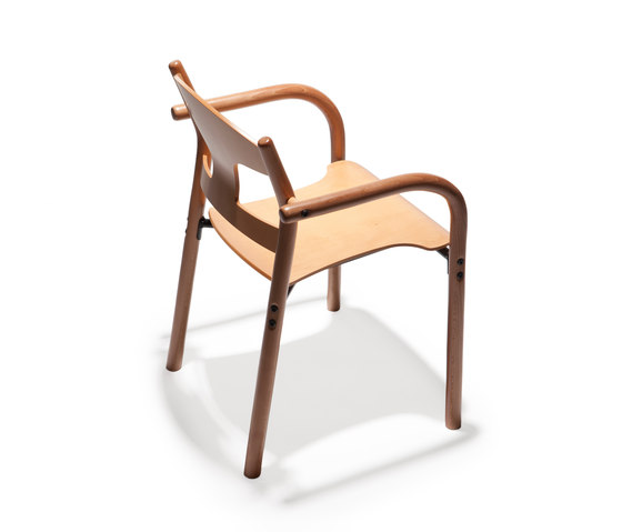 Jari chair j22 de Arktis Furniture | Sillas