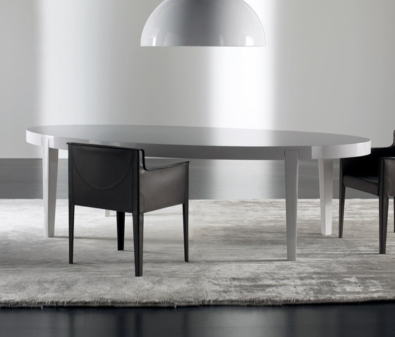 Power Dining table by Meridiani | Restaurant tables