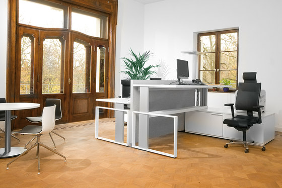 iMOVE-F Work station by LEUWICO | Individual desks