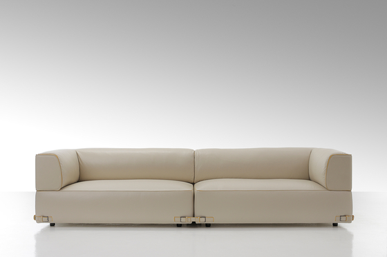 Soho Leather 2 Seater Sofa von Fendi Casa | Sessel