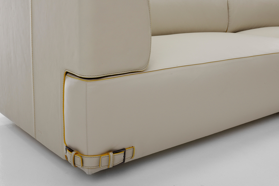 Soho Leather 2 Seater Sofa di Fendi Casa | Poltrone