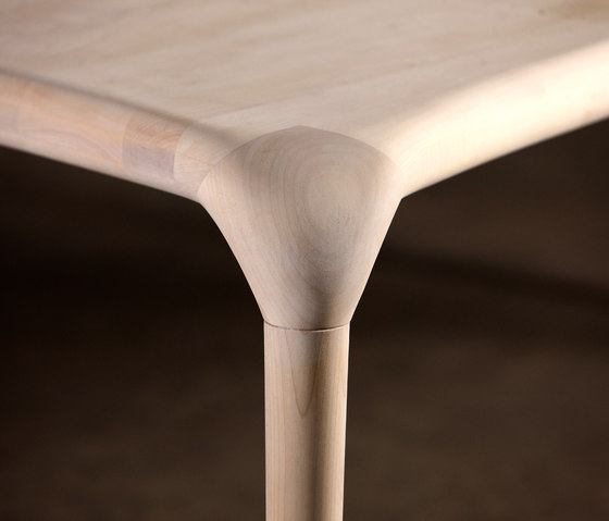 Castula Table by Artisan | Meeting room tables