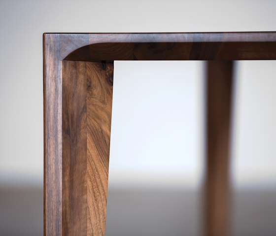 Hanny Table by Artisan | Dining tables