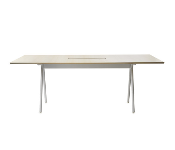 Camelot by Gärsnäs | Multipurpose tables