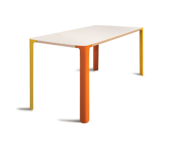 Luup Dining Table by David Trubridge | Cafeteria tables