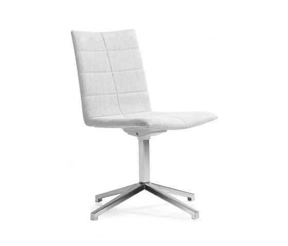 Archal Armchair 4-feet swivel von Lammhults | Stühle