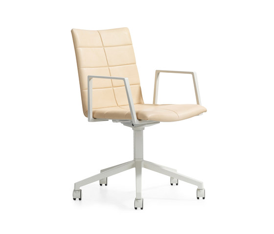 Archal Armchair 5-feet swivel with castors by Lammhults | Task chairs