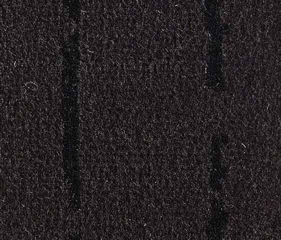 Pinestripe Black-Black 55 by Kasthall | Carpet rolls / Wall-to-wall carpets