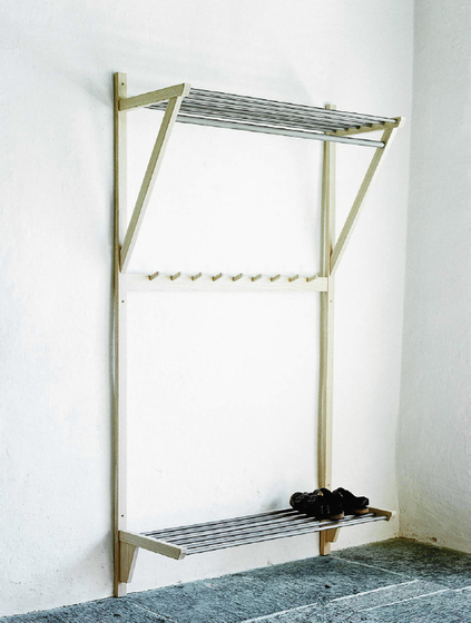 Steel coat rack de Olby Design | Portemanteaux muraux