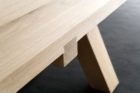 Lens dining table by Van Rossum | Dining tables