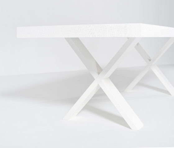 X-Type dining table de Van Rossum | Tables de repas