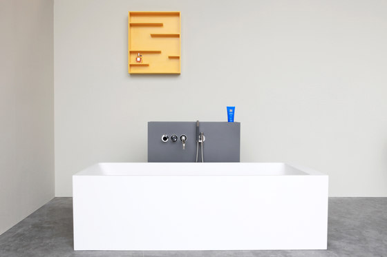 Axis bath by Not Only White B.V. | Free-standing baths