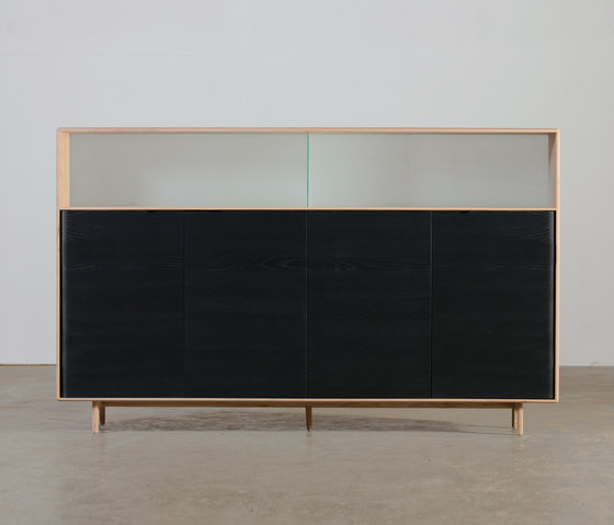 Invito Highboard von Artisan | Sideboards / Kommoden