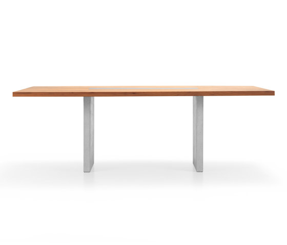 NUR Table by Girsberger | Dining tables