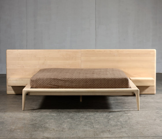 Latus Bed by Artisan | Double beds