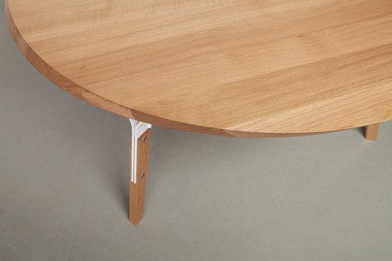 Stammtisch round by Quodes | Restaurant tables