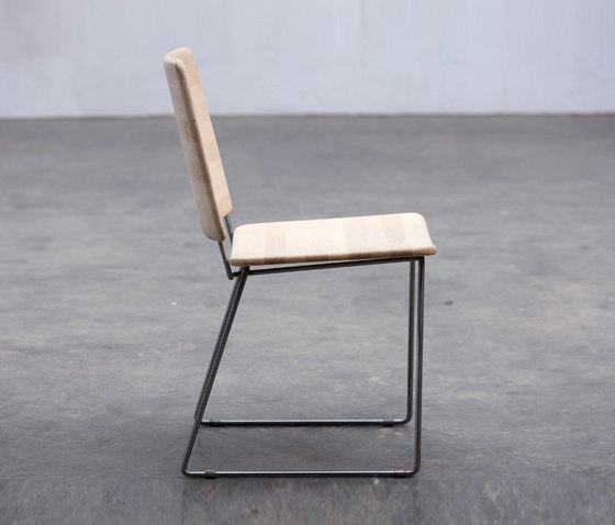 Linea Chair by Artisan | Restaurant chairs