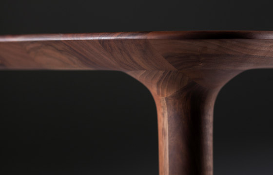 Pasha Table by Artisan | Restaurant tables