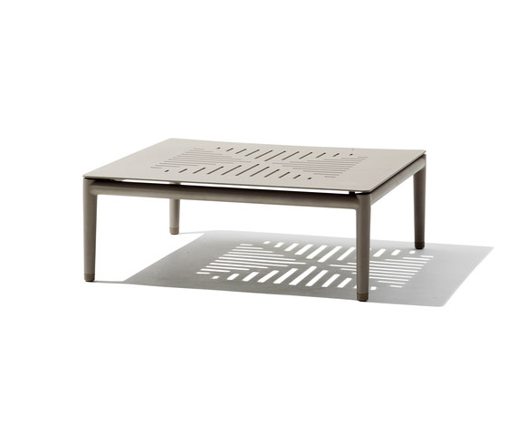 Conic coffee table de Cane-line | Fauteuils de jardin