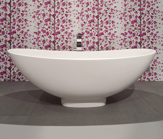 IO bath-tub by Ceramica Flaminia | Bathtubs oval