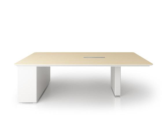X6 Hide Desk de Holzmedia | Mesas de conferencia multimedia