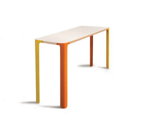 Luup Leaner by David Trubridge | Bar tables