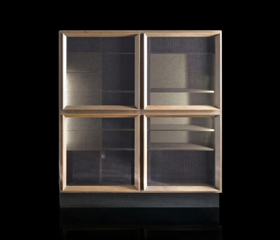 Q-Case by HENGE | Display cabinets
