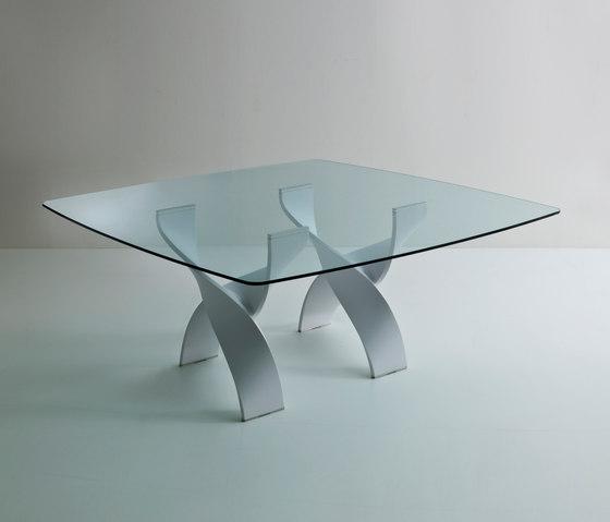 Helix A square table de Former | Tables de repas