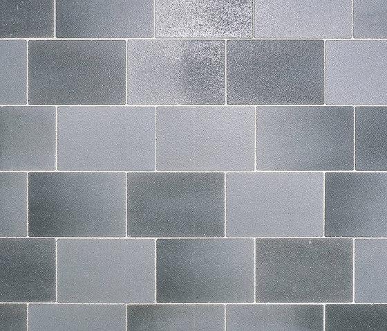 Belpasso Premio grigio brillant, nuancierend by Metten   Paving stones
