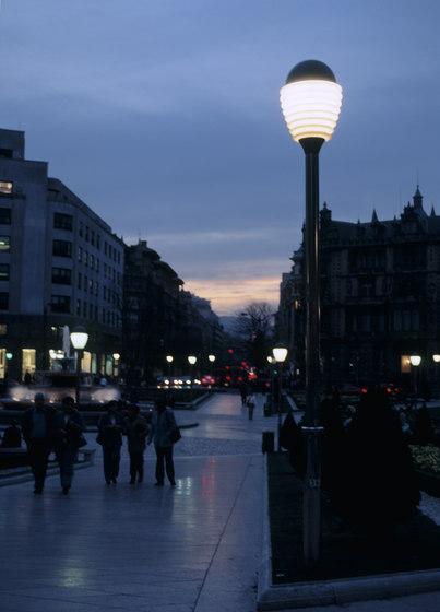 Universal by Santa & Cole | Street lighting