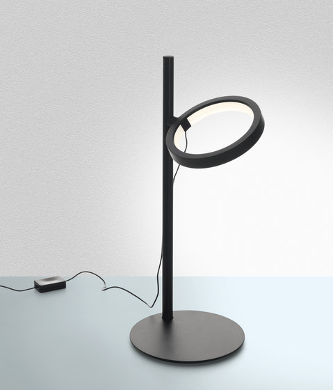 Ipparco Table Lamp by Artemide | General lighting