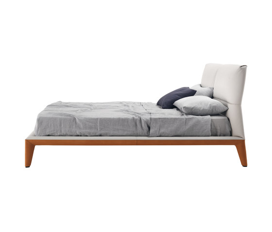 Giselle by Poltrona Frau | Double beds