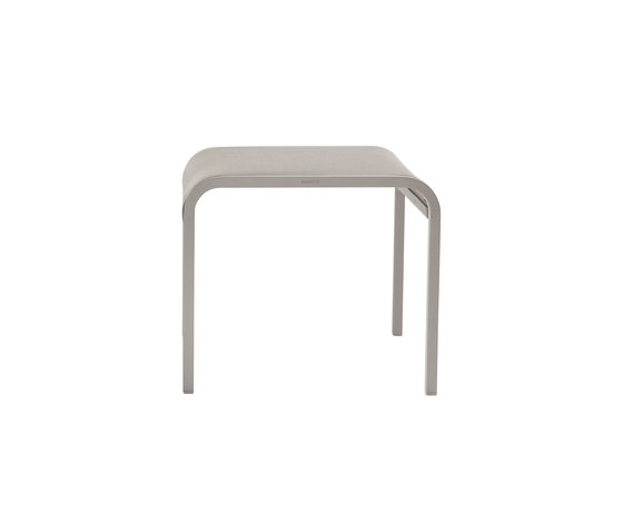 Helios footstool/sidetable by Manutti | Garden stools